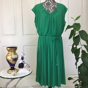 Jones New York Green Pleated Sleeveless Dress Sz16